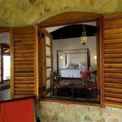 Отель Sugar Reef Bequia Сент-Винсент и Гренадины, Остров Бекия - отзывы, цены и фото номеров - забронировать отель Sugar Reef Bequia онлайн сейф в номере