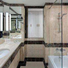 Отель Radisson Blu Hotel, Dubai Deira Creek ОАЭ, Дубай - 3 отзыва об отеле, цены и фото номеров - забронировать отель Radisson Blu Hotel, Dubai Deira Creek онлайн ванная