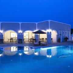 Отель Maistros Village Греция, Остров Санторини - отзывы, цены и фото номеров - забронировать отель Maistros Village онлайн бассейн фото 2