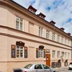 Отель Charles Bridge Apartments Чехия, Прага - отзывы, цены и фото номеров - забронировать отель Charles Bridge Apartments онлайн парковка