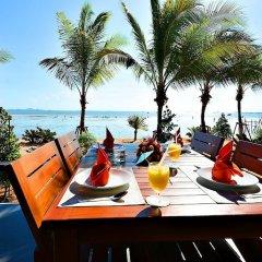 Отель Golden Dragon Beach Pattaya Таиланд, Бангламунг - отзывы, цены и фото номеров - забронировать отель Golden Dragon Beach Pattaya онлайн питание фото 2