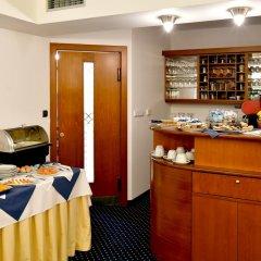 Coronet Hotel Прага питание фото 2