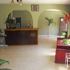 Отель Verney House Resort Ямайка, Монтего-Бей - отзывы, цены и фото номеров - забронировать отель Verney House Resort онлайн интерьер отеля фото 2