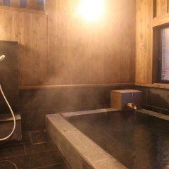 Отель Ryokan Wakaba Япония, Минамиогуни - отзывы, цены и фото номеров - забронировать отель Ryokan Wakaba онлайн ванная