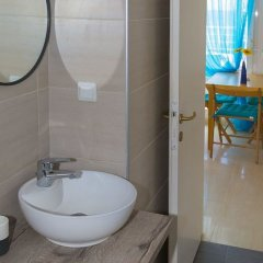 Отель Salonikiou Beach Deluxe Apartments Греция, Аристотелес - отзывы, цены и фото номеров - забронировать отель Salonikiou Beach Deluxe Apartments онлайн ванная фото 2