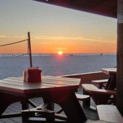 Отель Dolphin Beach Resort балкон