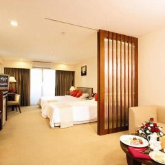 Отель Furama Silom, Bangkok в номере фото 2