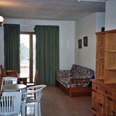 Отель Apartamentos Turísticos Es Daus комната для гостей фото 3