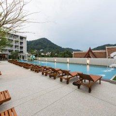 Отель Ramada by Wyndham Phuket Deevana Patong бассейн фото 10