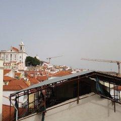 Апартаменты Stylish Lisbon Apartment in Alfama городской автобус