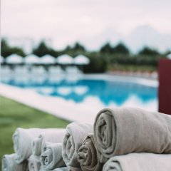 Crowne Plaza Hotel Antalya Турция, Анталья - 10 отзывов об отеле, цены и фото номеров - забронировать отель Crowne Plaza Hotel Antalya онлайн спортивное сооружение