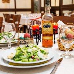 Отель Family Hotel Teteven Болгария, Тетевен - отзывы, цены и фото номеров - забронировать отель Family Hotel Teteven онлайн питание фото 2