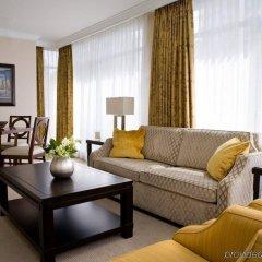 Отель L'Hermitage Hotel Канада, Ванкувер - отзывы, цены и фото номеров - забронировать отель L'Hermitage Hotel онлайн комната для гостей фото 3