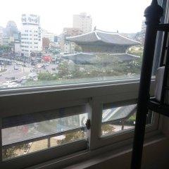 Отель 24 Guesthouse Dongdaemun Market Южная Корея, Сеул - отзывы, цены и фото номеров - забронировать отель 24 Guesthouse Dongdaemun Market онлайн балкон