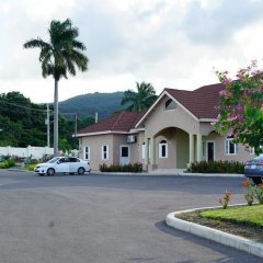 Отель Drax Hall Manor парковка