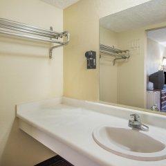 Отель Knights Inn-columbus Колумбус ванная