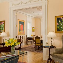 Отель Embassy Circle Guest House комната для гостей фото 5