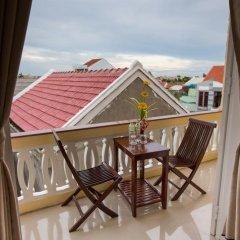 Отель Han Huyen Homestay Хойан балкон