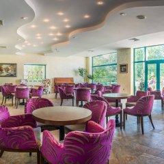 Отель Marina Grand Beach Золотые пески гостиничный бар
