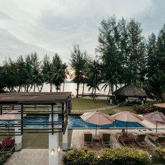 Отель The Mangrove Panwa Phuket Resort бассейн