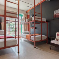 Saladaeng Gallery Hostel By Favstay Бангкок комната для гостей фото 5