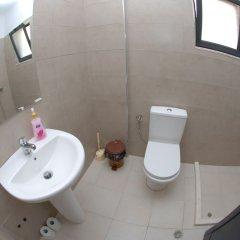 Отель Sunset Hostel Албания, Саранда - отзывы, цены и фото номеров - забронировать отель Sunset Hostel онлайн ванная