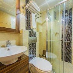 Pera Arya Hotel ванная