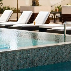 Отель Novotel Dubai Deira City Centre бассейн фото 3