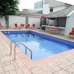 Отель S&S Hotels and Suites бассейн