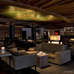 Отель The Alpina Gstaad Швейцария, Гштад - отзывы, цены и фото номеров - забронировать отель The Alpina Gstaad онлайн гостиничный бар