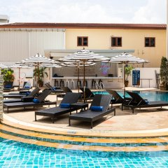 Отель Amata Patong бассейн