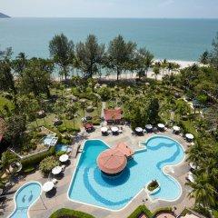 Отель Bayview Beach Resort Малайзия, Пенанг - 6 отзывов об отеле, цены и фото номеров - забронировать отель Bayview Beach Resort онлайн бассейн фото 3