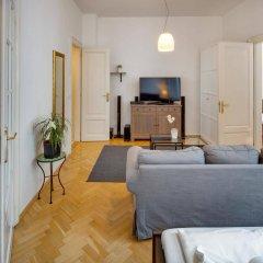 Отель Charles Bridge Premium Apartments Чехия, Прага - отзывы, цены и фото номеров - забронировать отель Charles Bridge Premium Apartments онлайн комната для гостей фото 2