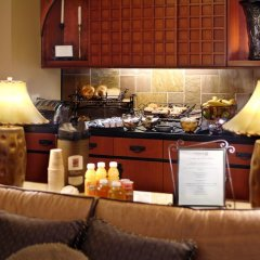 Larkspur Landing Milpitas - An All-Suite Hotel в номере