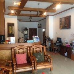 Отель Suksan Patong Place Guesthouse интерьер отеля