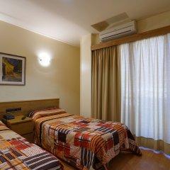 Отель Esplugues Испания, Эсплугес-де-Льобрегат - отзывы, цены и фото номеров - забронировать отель Esplugues онлайн комната для гостей фото 3