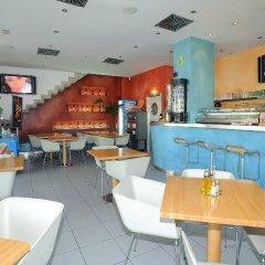 Отель Apartamentos Tramuntana гостиничный бар