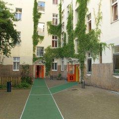 Happy Go Lucky Hotel + Hostel Берлин спа фото 2