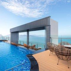 Comodo Nha Trang Hotel бассейн