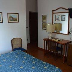 Отель Albergo Le Briciole Проччио удобства в номере