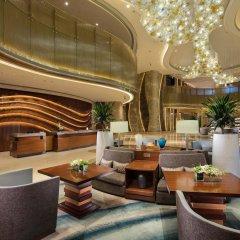 Отель DoubleTree by Hilton Hotel Xiamen - Wuyuan Bay Китай, Сямынь - отзывы, цены и фото номеров - забронировать отель DoubleTree by Hilton Hotel Xiamen - Wuyuan Bay онлайн интерьер отеля