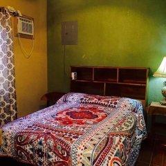 Отель Anchor Inn Гондурас, Остров Утила - отзывы, цены и фото номеров - забронировать отель Anchor Inn онлайн сейф в номере