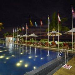 Coral Sands Hotel Хиккадува бассейн