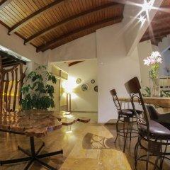 Отель C&M - Carne y Maduro Колумбия, Кали - отзывы, цены и фото номеров - забронировать отель C&M - Carne y Maduro онлайн бассейн фото 2