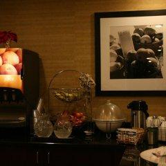 Отель Hampton Inn Newark Airport США, Элизабет - отзывы, цены и фото номеров - забронировать отель Hampton Inn Newark Airport онлайн интерьер отеля