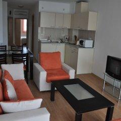 Отель Sunny Holiday Болгария, Солнечный берег - 1 отзыв об отеле, цены и фото номеров - забронировать отель Sunny Holiday онлайн комната для гостей фото 2