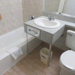 Отель Howard Johnson Hotel Yorkville Канада, Торонто - отзывы, цены и фото номеров - забронировать отель Howard Johnson Hotel Yorkville онлайн ванная