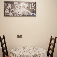 Апартаменты 1 Bedroom Apartment in Knightsbridge фитнесс-зал