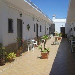 Отель Hostal El Canario Испания, Кониль-де-ла-Фронтера - отзывы, цены и фото номеров - забронировать отель Hostal El Canario онлайн