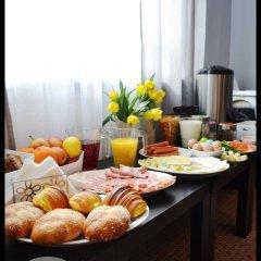 Отель ZiZi Central Hostel Польша, Варшава - отзывы, цены и фото номеров - забронировать отель ZiZi Central Hostel онлайн питание фото 3